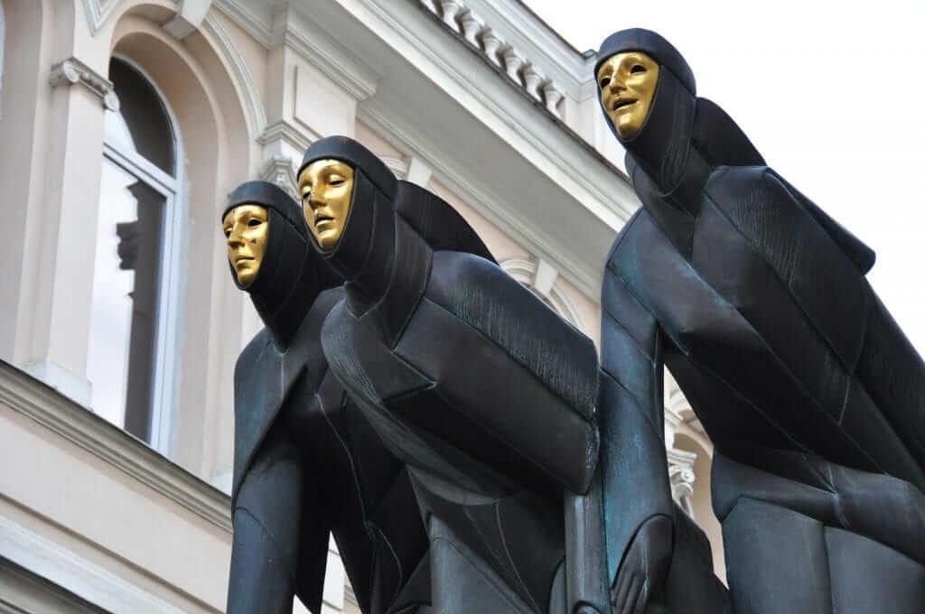 Las Tres Musas Vilnius