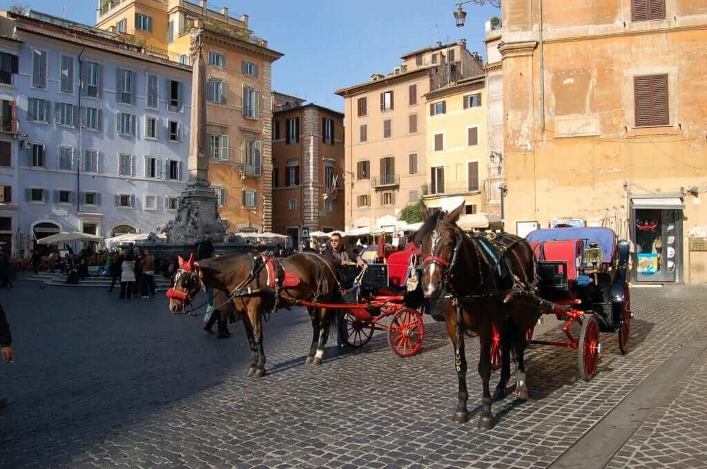 Plazas de Roma, Piazza della Rotonda