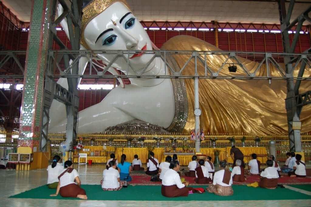 Yangón, Chaukhtatgyi Paya